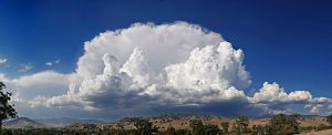 Anvil_shaped_cumulus_panorama_edit