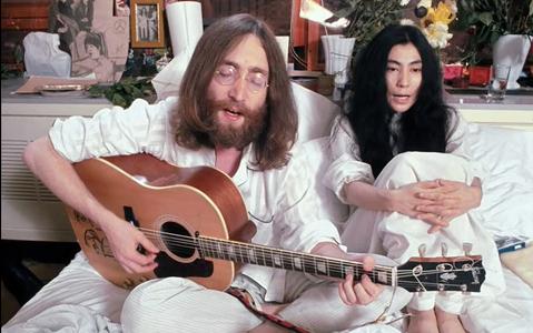 John Lennon – Svijetom upravljaju luđaci